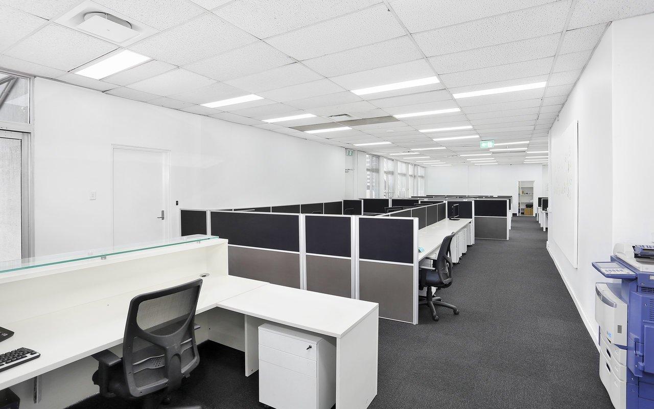 Plug & Play Office